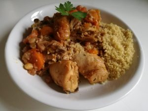 Recette du tajine de poulet aux carottes et aux abricots