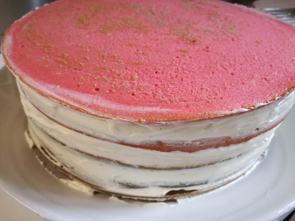 Recette du gâteau d'anniversaire arc-en-ciel : la ganache